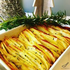 Full of flavour, baked in duck fat and fresh rosemary and salt flakes, a new take on roasted potatoes. Perfect for Christmas, Thanksgiving or a holiday feast - Crispy Leaf Potatoes Roasted in Duck Fat and Fresh Rosemary Potatoes In Oven, Roasted Potatoes, Roast Duck, Cooking Recipes, Healthy Recipes, Yummy Eats, Potato Recipes, Savoury Recipes, Savory Snacks
