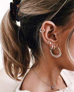 Trendy Ideas For Piercing Oreille Femme Industriel Ear Jewelry, Cute Jewelry, Jewelery, Jewelry Accessories, Cute Ear Piercings, Multiple Ear Piercings, Circle Earrings, Stud Earrings, Multiple Earrings