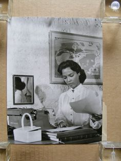 Dorothy Dandridge in her office original candid portrait photo 1957 Fox Timeless Beauty, Classic Beauty, My Black Is Beautiful, Beautiful Women, Best Actress Oscar, Dorothy Dandridge, Black Actresses, Old Hollywood Stars, African American Women