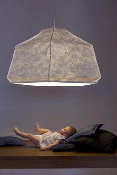 Big Mama, tyvek, lamp