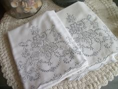 VINTAGE 30s MADEIRA BEAUTIFUL FINE LINEN PILLOWCASES HAND EMBROIDERY FRENCH GREY http://cgi.ebay.com/ws/eBayISAPI.dll?ViewItem&item=121189569397