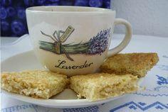 Tea-Time! Und dazu gibt es Rosen Shortbread. Einen feinen Schwarztee oder…