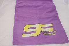 Nuestro trabajo a la hora de trabajar con vinilo textil en color digital en toallas de microfibra Textiles, Sports Clubs, Fitness, Color, Colour, Fabrics, Textile Art, Colors