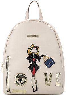 Бежевый рюкзак с разноцветными нашивками JC4115PP14LQ0110 застегивается на молнию, купить в интернет-магазине. Цена: 17990