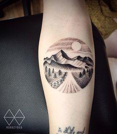 new hampshire partial compass tattoo Colorado Tattoo, Piercing Tattoo, Design Tattoo, Tattoo Designs, Unique Tattoos, Cool Tattoos, Freedom Symbol Tattoo, Nouveau Tattoo, Circle Tattoos