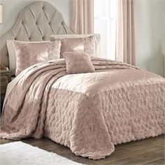 Pearl Bedspread Collection