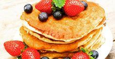 Start het weekend goed met deze havermout pannenkoekjes met blauwe bessen en aardbeien! Ingrediënten (per pannekoek): 50 gram havermout, 1 ei, scheutje magere melk of 0% vet melk, snufje zout, 1 theelepel kaneel en kokosolie. Serveer met blauwe bessen en aardbeien als topping. Happy weekend! #newfysicproof #afslanken #afvallen #newfysicnl #summerproof #weekend #culitip #weekendinspiratie #healthylifestyle #instahealth #health #havermoutpannenkoek