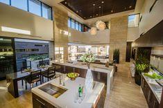 Küche Marmorplatten Naturstein Fenster Beleuchtung Pendelleuchten