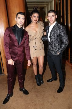 Priyanka Chopra's bro in law to be Joe Jonas reveals Nick Jonas is her PUPPY DOG Indian Celebrities, Bollywood Celebrities, Bollywood Actress, Bollywood News, Nick Jonas Concert, Celebrity Couples, Celebrity Style, Priyanka Chopra Wedding, Glamorous Chic Life