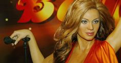 Madame Tussauds Reveal New Beyoncé Coachella Waxwork Madame Tussauds, Robert Pattinson, Katy Perry, Selena Gomez, Beyonce Coachella, Beyonce Fans, Crop Top Hoodie, Twitter Trending, Almost Perfect