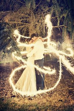 The 15 best wedding photos of 2012 - sparks fly!