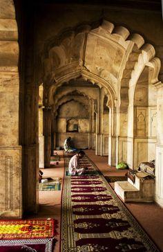 Moti Masjid (Pearl Mosque) by abdul mutlib / Muslim Images, Islamic Images, Islamic Pictures, Islamic Art, Islamic Quotes, Miracles Of Islam, Beautiful Mosques, Beautiful Prayers, Islamic Wallpaper