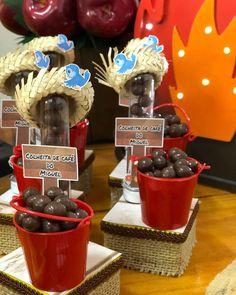 A nossa colheita foi bem farta... Já posso sentir cheirinho de café😋… Cowboy Birthday Party, Farm Birthday, Farm Theme, Cute Food, Diwali, Thing 1, Alice, Diy Party, Paper Crafts