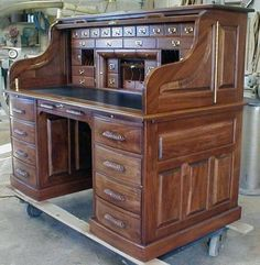 Pleasing Roll top desk – unique desk style great winners only roll top desk about remodel nice home mcserae - Furnish Ideas Home Office Furniture, Wood Furniture, Vintage Furniture, Woodworking Desk Plans, Woodworking Jointer, Woodworking Forum, Woodworking Patterns, Woodworking Classes, Unique Desks