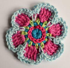 broken refrigerator — motleycraft-o-rama: Spring Flower Tutorial in. Mobiles En Crochet, Crochet Mobile, Crochet 101, Crochet Patterns, Crochet Phone Cases, Easy Crochet Projects, Flower Tutorial, Knitting Stitches, Crochet Flowers