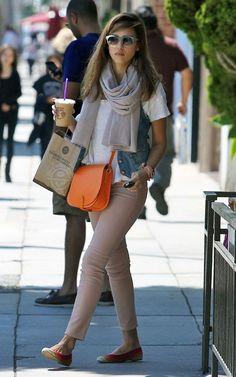 Jessica Alba, white tee, orange cross-body bag, grey scarf, striped flats, denim vest, pink jeans ☑️