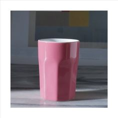 Pure porcelain, white glaze inside, colourful outside. Cup in the hand cups for coffee and teas. Also in a cappuccino size. asa_espresso_pink