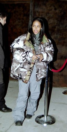 Here is Aaliyah Outfits for you. Aaliyah Outfits back and forth aaliyah jahre mode outfit und. Aaliyah Outfits a look back at Aaliyah Outfits, Baddie Outfits For School, Aaliyah Style, Aaliyah Costume, Aaliyah Aaliyah, 2000s Fashion, Hip Hop Fashion, Look Fashion, Fashion Outfits