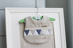 Such a cute bib. This site has pdf of bib pattern with instructions. Think I will make one for next baby shower. Found this at Nana Company, always something fun and pretty at this site. Baby Sewing Projects, Sewing For Kids, Little Babies, Baby Kids, Bib Tutorial, Bib Pattern, Free Pattern, Baby Bibs Patterns, Burp Rags
