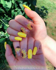 23 Great Yellow Nail Art Designs 2019 1 - Yellow Nails - Best Nail World Acrylic Nails Yellow, Yellow Nail Polish, Yellow Nail Art, Cute Acrylic Nails, Acrylic Nail Designs, Yellow Makeup, Cute Summer Nails, Spring Nails, Bright Summer Nails