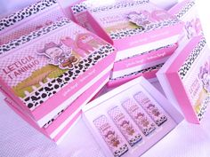 Caixinha para 4 bis #caixapersonalizada #caixinhaparabis #lembrancinhasfazendinha #festademenina #fazendinharosa #caixadechocolate