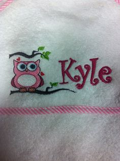 Monogrammed towel for Linzie Monogram Towels, Bossier City, Machine Embroidery Applique, Snoopy, Gift Ideas, Stitch, Shit Happens, Sewing, Birthday