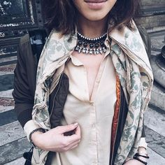 SAMANTHA KIST www.samanthakist.com Blogger Mode Made In Belgium Blogger Belgian Girl Fashion Good Morning & bon vendredi  ! — #parisiangirl #belgiangirl #girls #bomber #bomberjacket #blogger #bloggers #fashion #fashionblogger #mode #style #streetstyle #street #fashionista #kaki