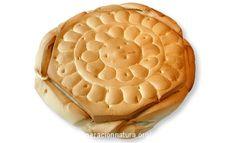 """El pan candeal, o pan """"sobado"""", era el pan que se hacía en las casas y el que se continúa haciendo en Castilla y León. http://www.generacionnatura.org/recetas-cocina-ecologica/pagina-principal/receta/114-pan-candeal-ecologico-casero-receta.html"""