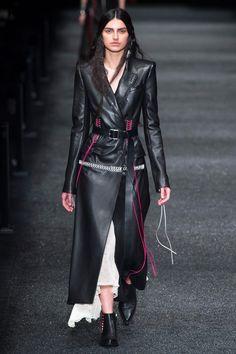 Défilé Alexander McQueen prêt-à-porter femme automne-hiver 2017-2018 1