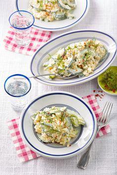 Kritharaki - Salat mit Schafskäse - Schmand - Dressing, ein sehr leckeres Rezept aus der Kategorie Gemüse. Bewertungen: 41. Durchschnitt: Ø 4,3. Food To Go, Food And Drink, Orzo, Vegan Dishes, Pasta Dishes, Potato Salad, Grilling, Vegetarian, Snacks