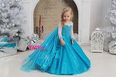 Princess Elsa Dress, Disney Princess Dresses, Disney Dresses, Snow White Halloween Costume, Halloween Costumes For Girls, Girl Costumes, Frozen Halloween, Princesa Disney Frozen, Costume Birthday Parties