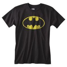 Batman tişörtü senelerce neden Süpermen tişörtü kadar tutulur olmadı, anlamak mümkün değil? Yoksa mümkün mü? Melankolik burjuva Bruce Wayne ile uzaylı-köylü Clark Kent'in kapışmasını bizim memlekette elbette uzaylı-köylü kazanacaktı.