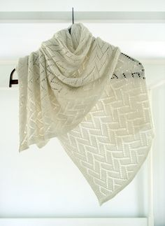Called the Bamboo Wedding Shawl - this beautiful but simple shawl would be gorgeous in any color! free pattern