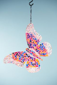 Butterfly by Sunshiners® Butterfly Facts, Butterfly Pictures, Glass Butterfly, Butterfly Painting, Butterfly Wallpaper, Butterfly Kisses, Paper Crafts Origami, Mosaic Diy, Button Art