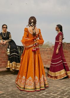 Pakistani Fashion Casual, Pakistani Dresses Casual, Pakistani Bridal Dresses, Pakistani Dress Design, Punjabi Fashion, Pakistani Suits, Anarkali Suits, Punjabi Suits, Bridal Lehenga