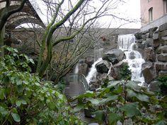 Pocket Park: Waterfall Garden in Pioneer Square, Seattle, WA