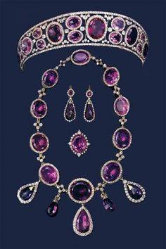 amethyst parure belonging to Queen Mary of England  tiara