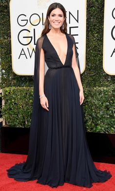 Golden Globes 2017  MANDY MOORE Naeem Khan gown with a cape and Neil Lane jewelry.