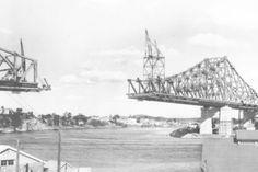 Brisbane Gold Coast, Brisbane City, Brisbane Queensland, Queensland Australia, Bridge Construction, Under Construction, Australian Authors, Interesting History, Historical Photos