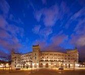 arena bull : Arena in Madrid, is Las Ventas, gelegen aan de Plaza de torros Het de bigest arena in Spanje