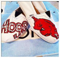 Razorback custom toms shoes by CustomTOMSbyJC on Etsy, $90.00