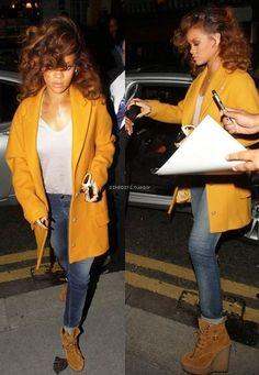 Rihanna Has the Best A-List Style Out There – Celebrities Woman Estilo Rihanna, Rihanna Style, Fashion Killa, Look Fashion, Outfit Timberland, Fall Outfits, Cute Outfits, Denim Outfits, Rihanna Fenty
