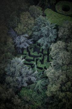 Le labyrinthe composé d'ifs, conçu au début des années 1970 par l'architecte Paul Maymont, reprendrait les contours d'un dessin de Le Corbusier. © Yann Monel