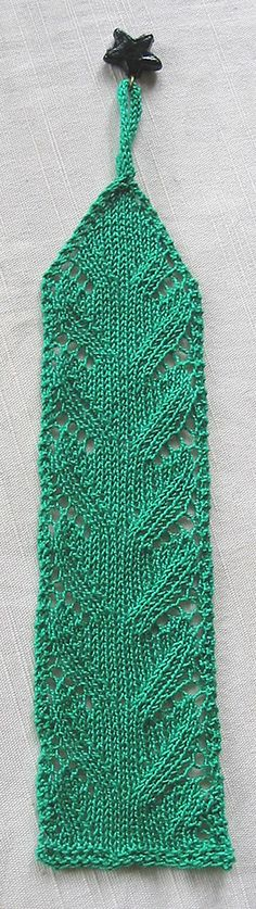 Lace Waves Bookmark | AllFreeKnitting.com