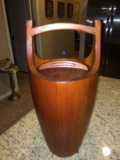 "Mid Century Modern Dansk Teak 19"" Ice Bucket in Excellent Condition in Austin, TX (sells for $295)"