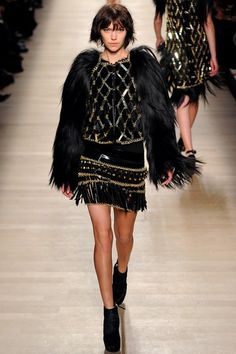 See the complete Paco Rabanne Fall 2012 Ready-to-Wear collection.