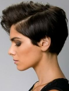 Medium Hair Styles For Women Over 40 | Frizuri par scurt fete 2012 - GALERIE FOTO