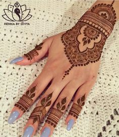 Beautiful and Easy Mehndi Designs for Eid Celebration - Henna / Mehndiiii - Henna Hand Designs, Eid Mehndi Designs, Stylish Mehndi Designs, Wedding Mehndi Designs, Beautiful Henna Designs, Latest Mehndi Designs, Mehndi Designs For Hands, Henna Tattoo Designs, Mehndi Images