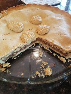 Høstens Eplepai ⋆ Gina Kristine Camembert Cheese, Vegan Recipes, Dairy, Pie, Desserts, Food, Torte, Tailgate Desserts, Cake