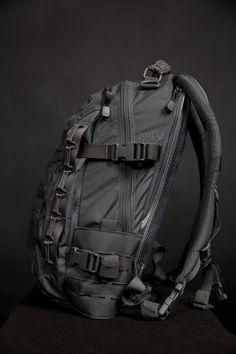 Outdoor Backpacks, Cool Backpacks, Survival Backpack, Survival Gear, Edc Bag, Messenger Bag Backpack, Direct Action, Tac Gear, Tactical Clothing
